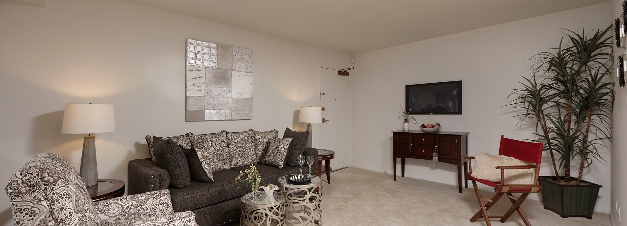 Rollins Park Apartments living room